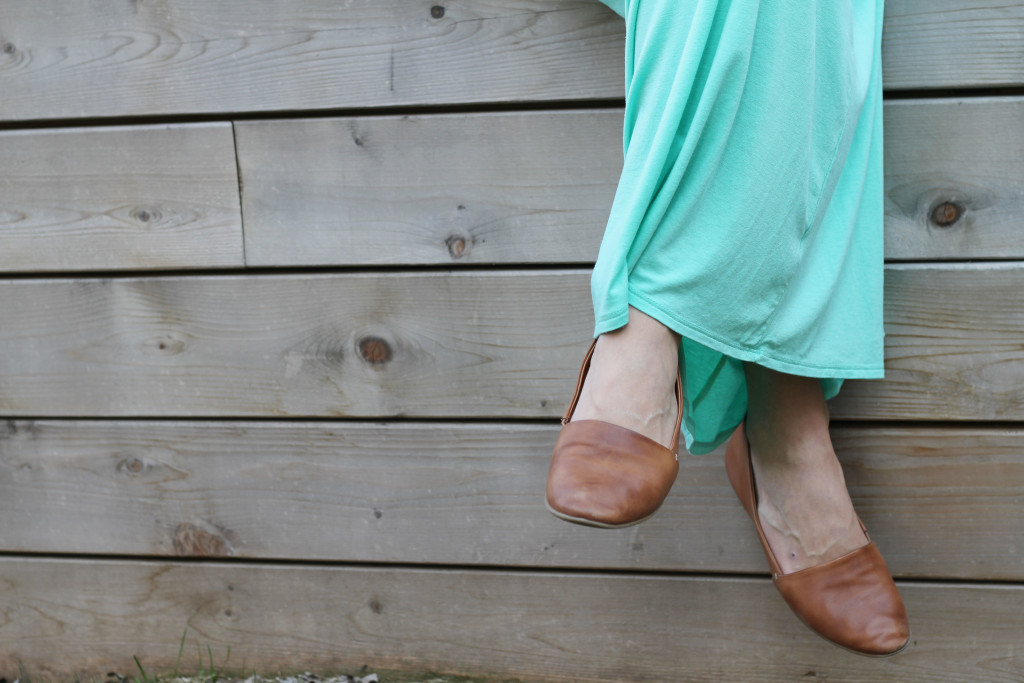 Pink blush maternity dress and aldo shoes