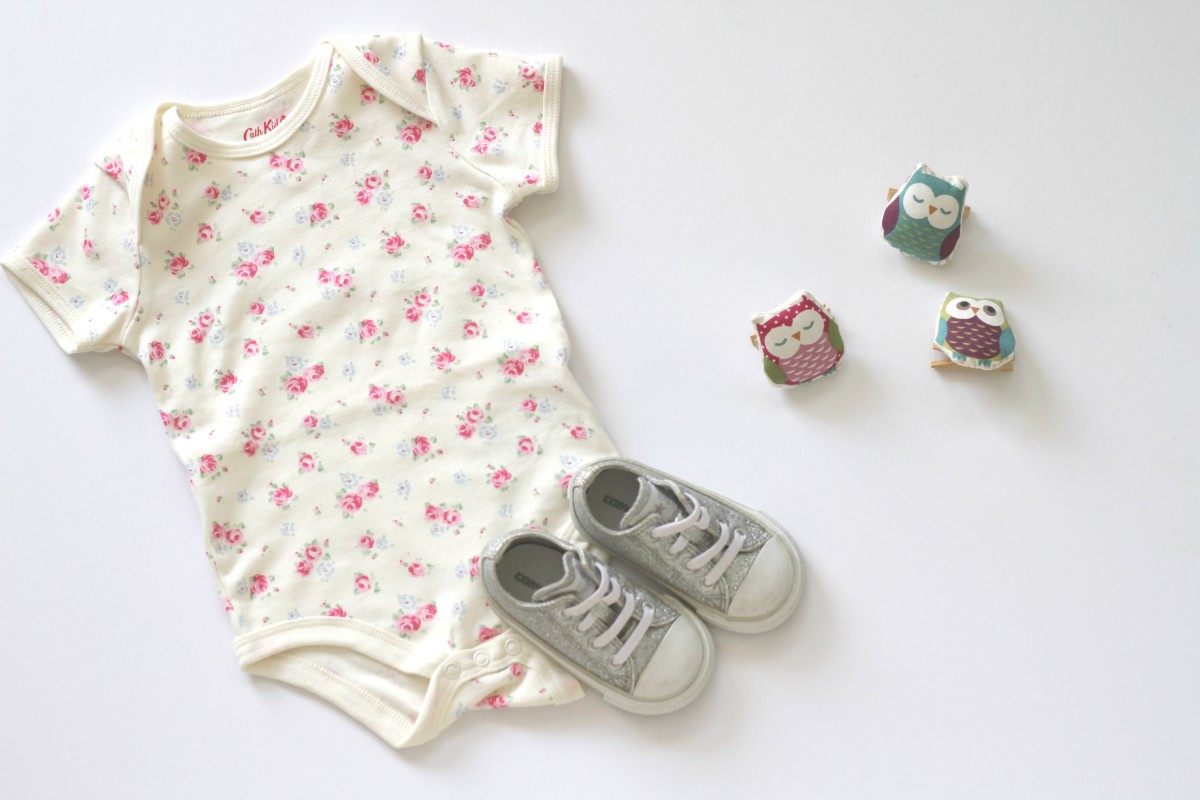 Canadian online retailer preshrunk and www.merrygollden.com wearing Cath Kidston and Converse