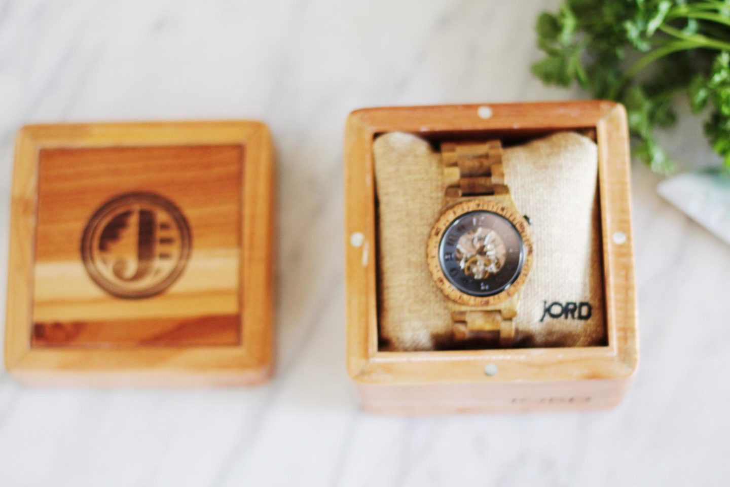 http://www.woodwatches.com/#merrygolden